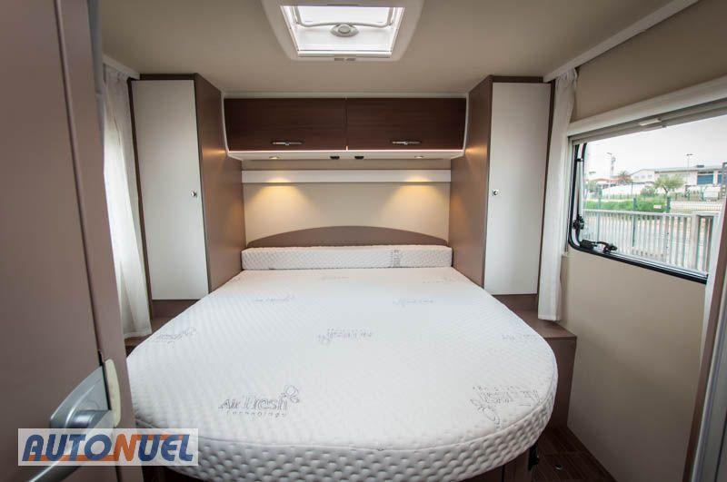 Alquilar autocaravanas en Tarragona. Fantástica cama posterior