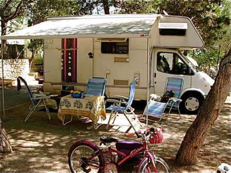Autocaravana acampada