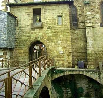 Iglesia de Notre Dame du Bout du Pont 02