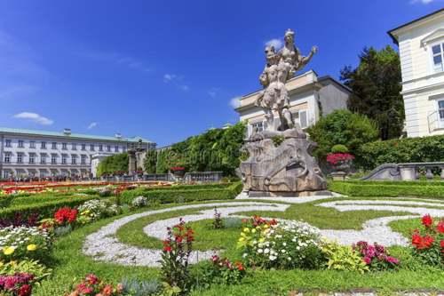 Palacio y Jardines de Mirambel. Salzburgo